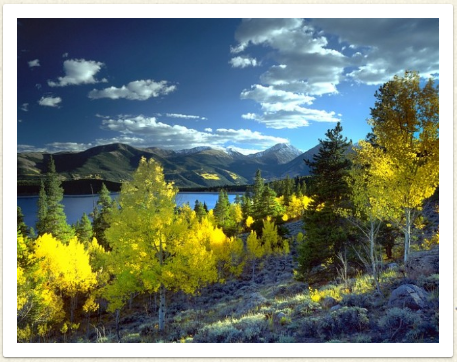 picture of twin lakes in Colorado